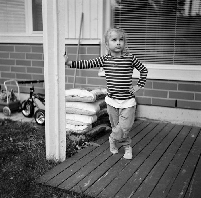 Silja, kuvattu Weltaflexin 6x6 -keskikoon kameralla